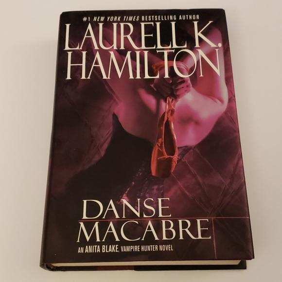 Laurell K. Hamilton, Danse Macabre